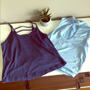 Two blue crop tops! 💙